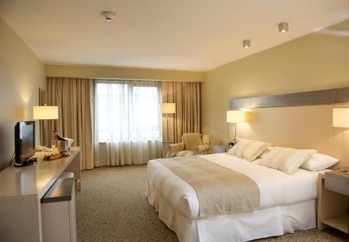 Radisson Hotel Puerto Varas Photo