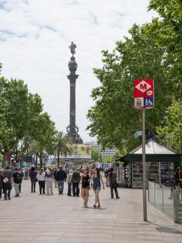 Ramblas by Pillow photo 9