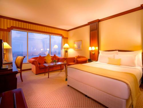 Corniche Hotel Abu Dhabi photo 2