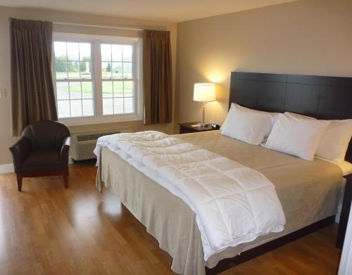 Yankee Clipper Motel - Belfast, ME 04915