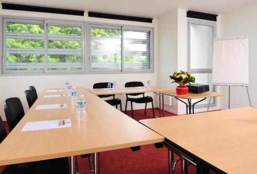 S U00e9jours  U0026 Affaires Rennes Villa Camilla