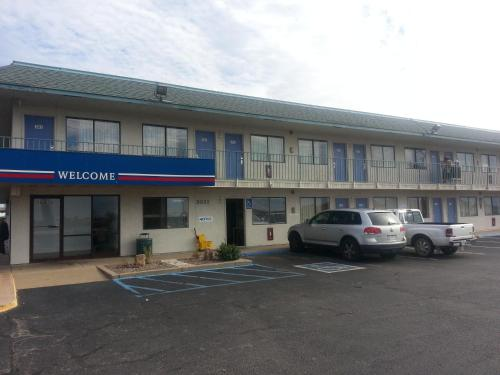 Motel 6 Joplin Photo