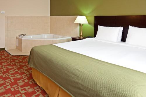 Holiday Inn Express Vincennes - Vincennes, IN 47591