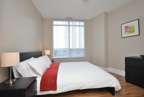 Whitehall Suites - Mississauga Furnished Apartments - Mississauga, ON L5B 0C2