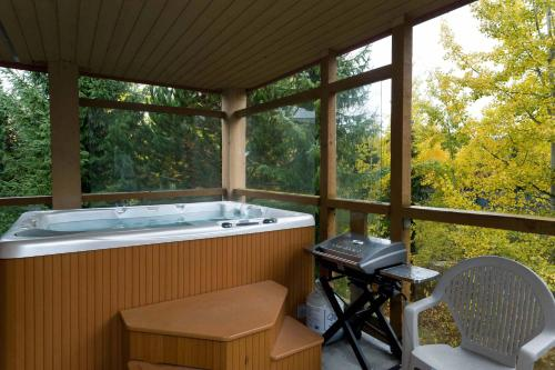 Glaciers Reach By Allseason Vacation Rentals - Whistler, BC V0N1B1