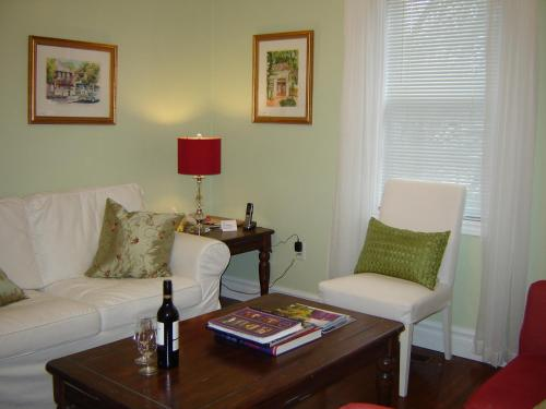 Cape House Bed and Breakfast Photo