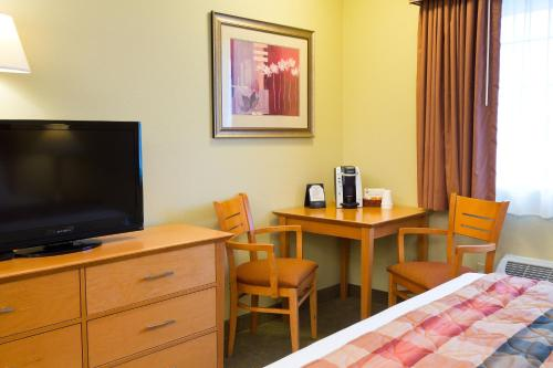 The Marina Inn - Anacortes, WA 98221