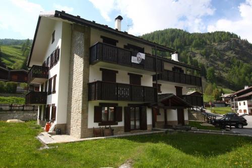 Champoluc Apartment