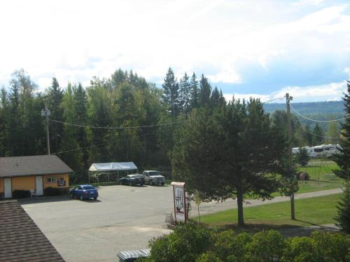 Airport Inn Motel - Quesnel, BC V2J 5Y8