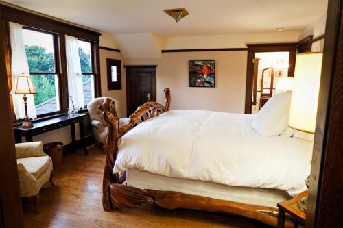The Gatewood Bed And Breakfast