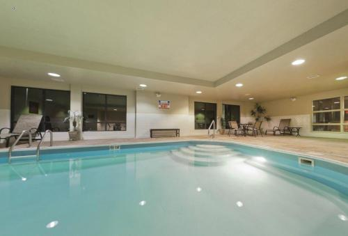 Country Inn & Suites by Radisson, Dayton South, OH Photo