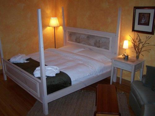 Artisan Upstairs Guesthouse - Sudbury, ON P3B 2Z8
