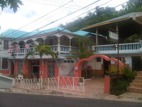 Treasure's Comfort Inn Photo