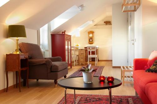 Lady Hamilton Apartments photo 9