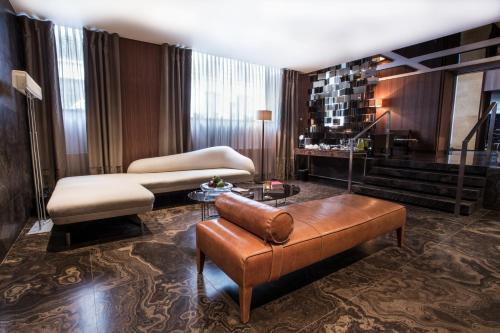 The Emblem Hotel - 38 of 76