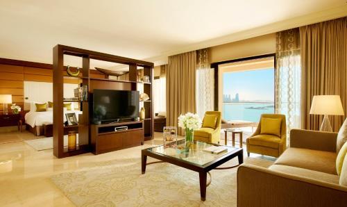 Golden Mile, The Palm Jumeirah, Dubai, UAE.