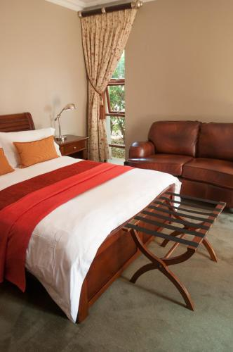 The Village Ridge Boutique Hotel Photo