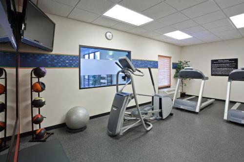 Hampton Inn & Suites Toledo-Perrysburg in Rossford