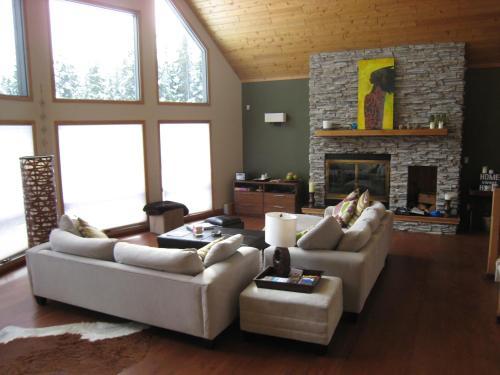 Home Lodge - Golden, BC V0A 1H1