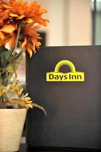 Days Inn Medical Center Amarillo Photo