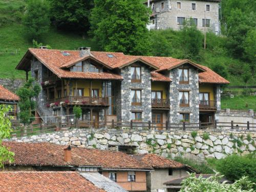 Barrio Cucayo, 39575 Cucayo, Cantabria, Spain.