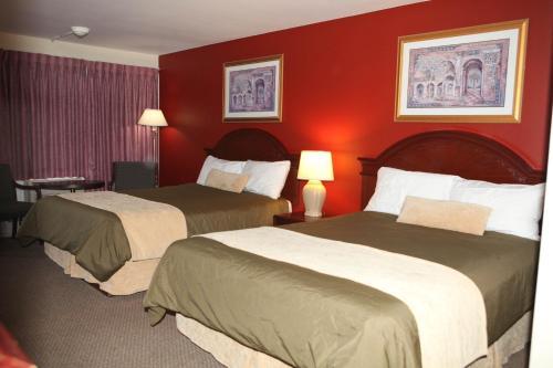 Saxony Motel - Chatham, ON N7L 3Z2