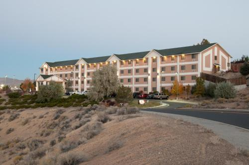 Baymont Inn & Suites Elko Photo