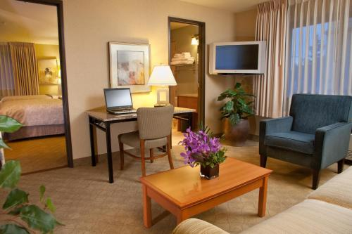 Silver Cloud Inn Bellevue Downtown - Bellevue, WA 98004