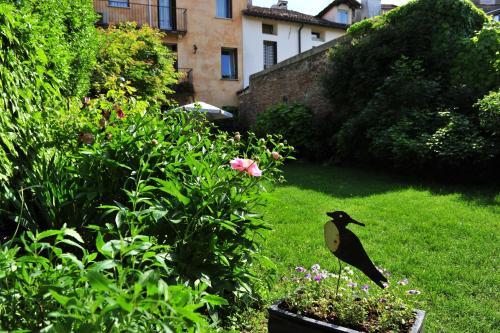Contrà S. Rocco, 28, 36100 Vicenza VI, Italy.