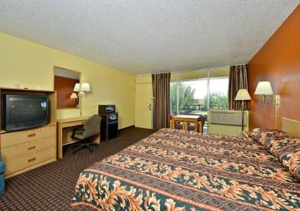 Econo Lodge Carlsbad Photo
