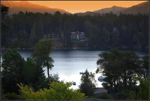 Las Ramblas de Puerto Manzano - Hostería Vista al Lago de Villa la Angostura Photo