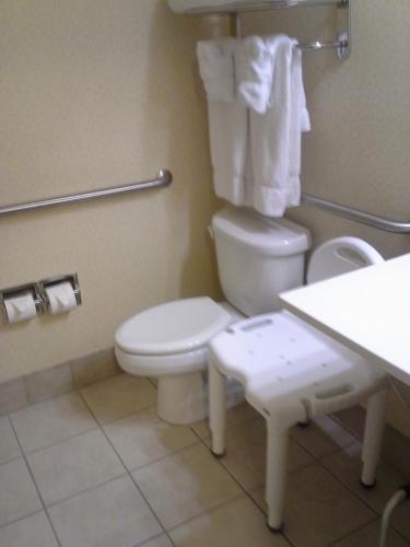 Comfort Inn & Suites Northern Kentucky - Wilder, KY 41076