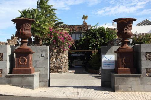 Calle Hermanos Díaz Rijo, 3, 35500 Arrecife, Las Palmas, Spain.