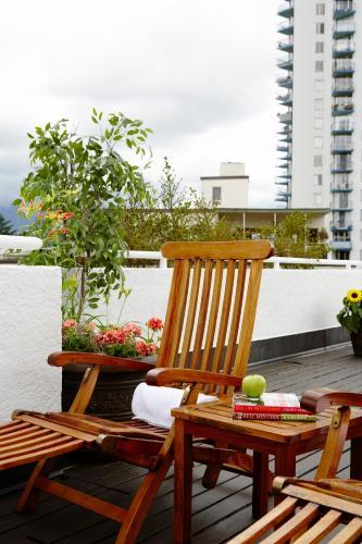 Rosellen Suites At Stanley Park - Vancouver, BC V6G 1L5
