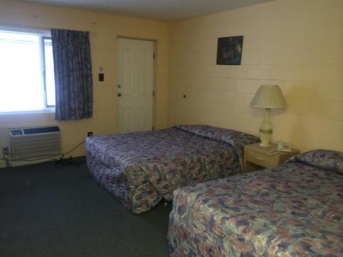 Road Runner Motel - Merritt, BC V1K 1B8