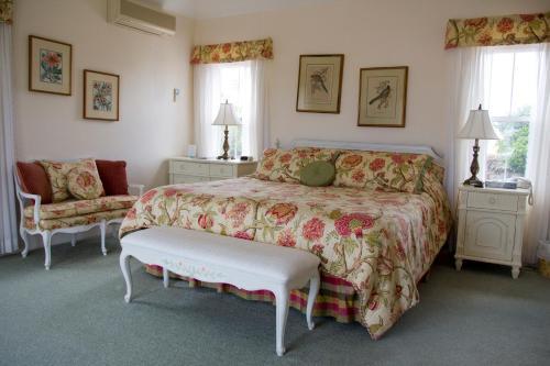Edgehill Manor Guest House, 36 Rosemont Avenue, Pembroke HM 06, Bermuda.