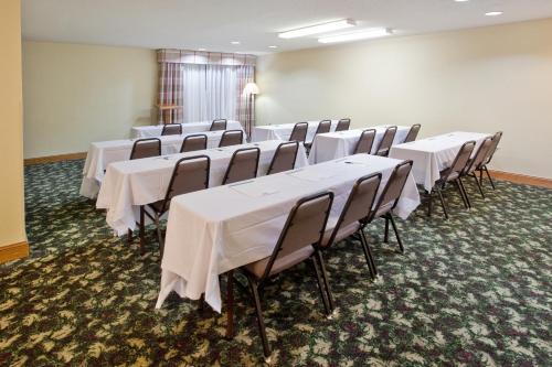 Country Inn & Suites By Radisson Hiram Ga - Hiram, GA 30141