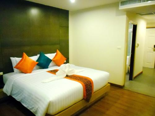The Three By Apk Hotel