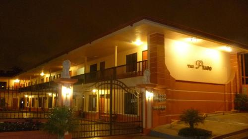 Prado Inn & Suites Photo