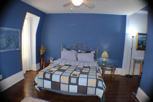 Comfy Guesthouse & Suite - Toronto, ON M5A 2G2