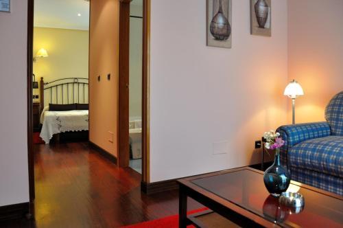 Habitación Triple con vistas Hotel Puerta Del Oriente 24