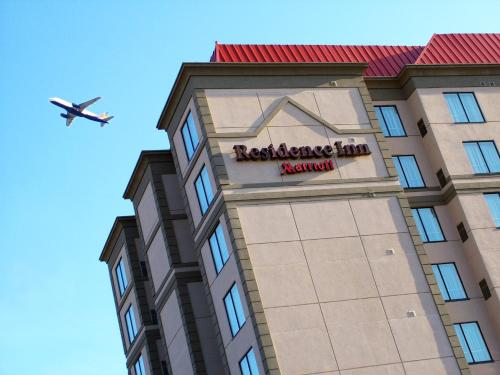 Residence Inn Toronto Airport - Toronto, ON M9W 7K7