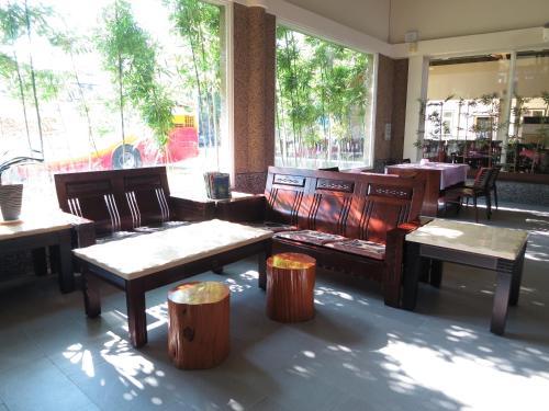 Ying Shih Guest House