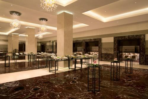 Hilton Capital Grand Abu Dhabi photo 5