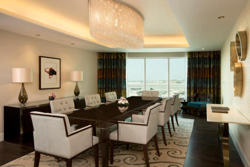 Hilton Capital Grand Abu Dhabi photo 35