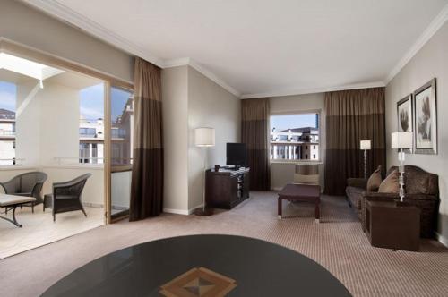 Hilton Sandton photo 3