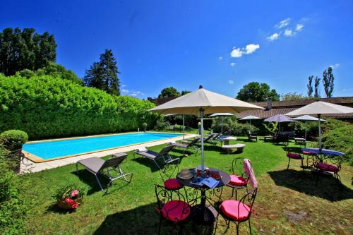 Le Lac de la Plane, 24200 Sarlat-la-Canéda, Dordogne, France.