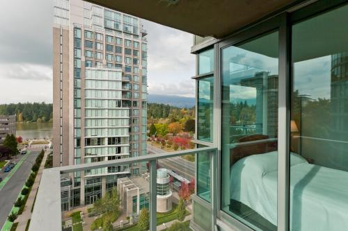 Lord Stanley Suites On The Park - Vancouver, BC V6G 3G7