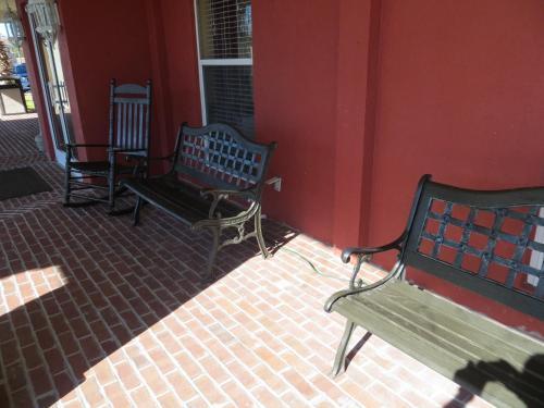 Travelodge By Wyndham Savannah Gateway - Savannah, GA 31419