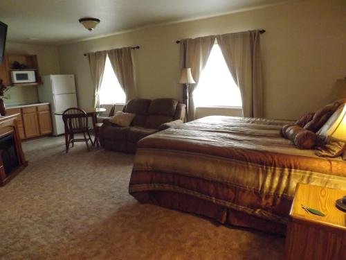 Homestead Inn Photo
